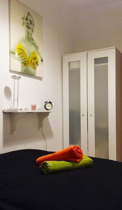 Private room with double bed and closet