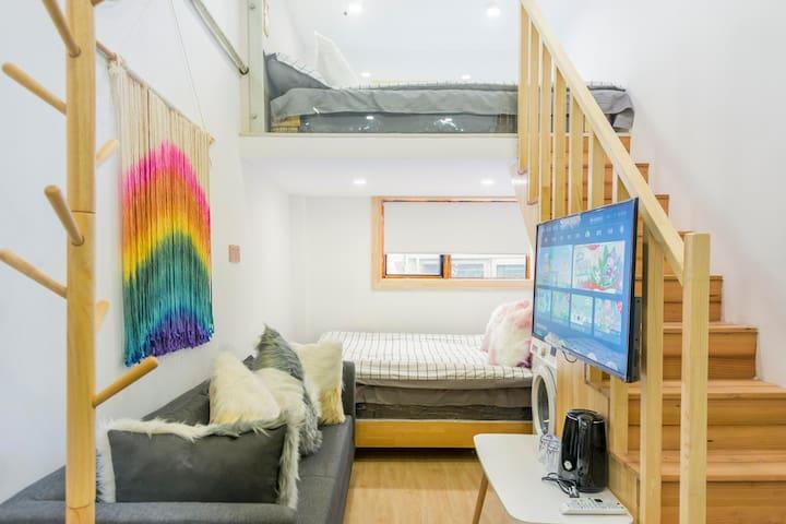 《北欧简约二》《外白渡桥》《南京东路》《地铁直达机场》《一室一厅两张大床房》