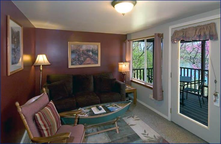 Riverside Retreat-Trout Paradise, Cabin 1