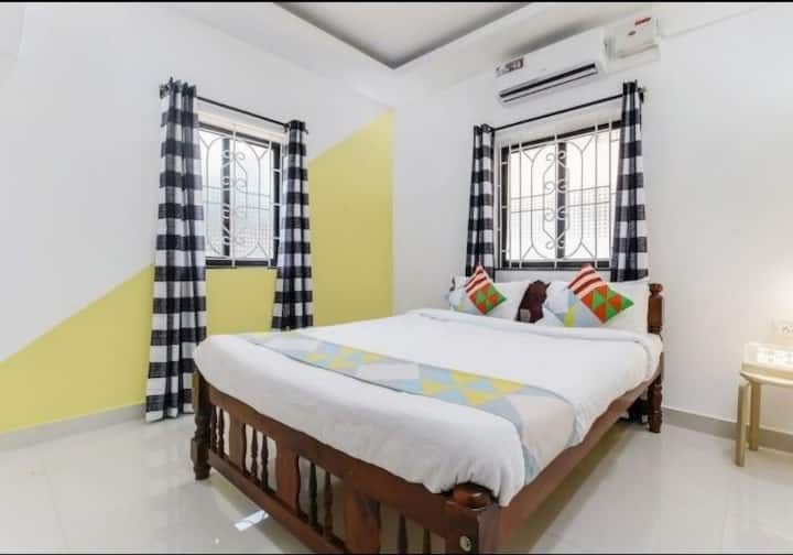 Gayatri kunj home stay. 2 bhk near Baga beach.