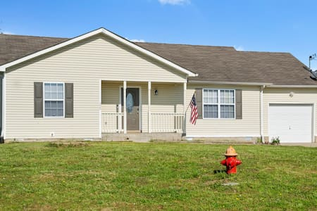 Entire Home near Fort Campbell KY *** I-24***