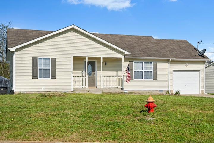 Entire Home near Fort Campbell KY** I-24
