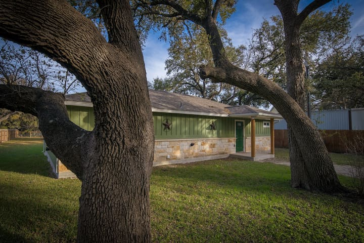 Duke's Horseshoe House- on the Guadalupe River, across from Whitewater Amphitheater!