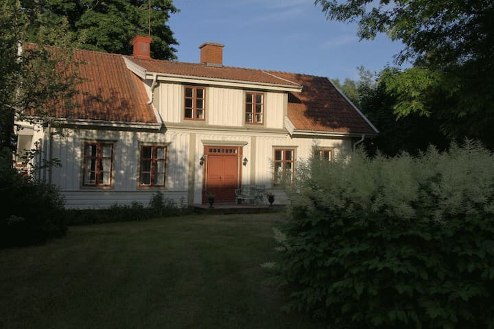 Original 1860s house in the village of Åseda - Åseda - House