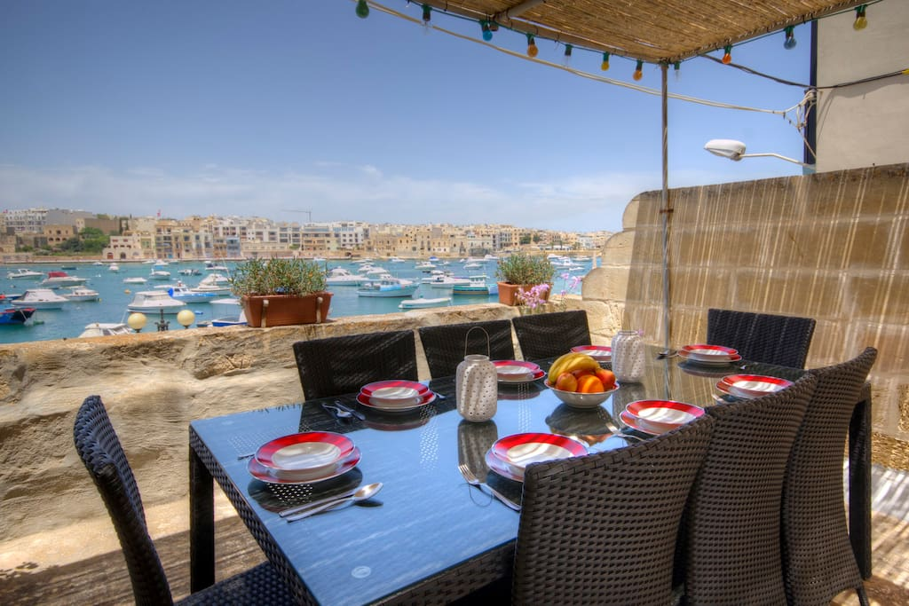 Sea front hse free wifi cable tv houses for rent in bir ebbu a malta - Cacher cable tv mural ...