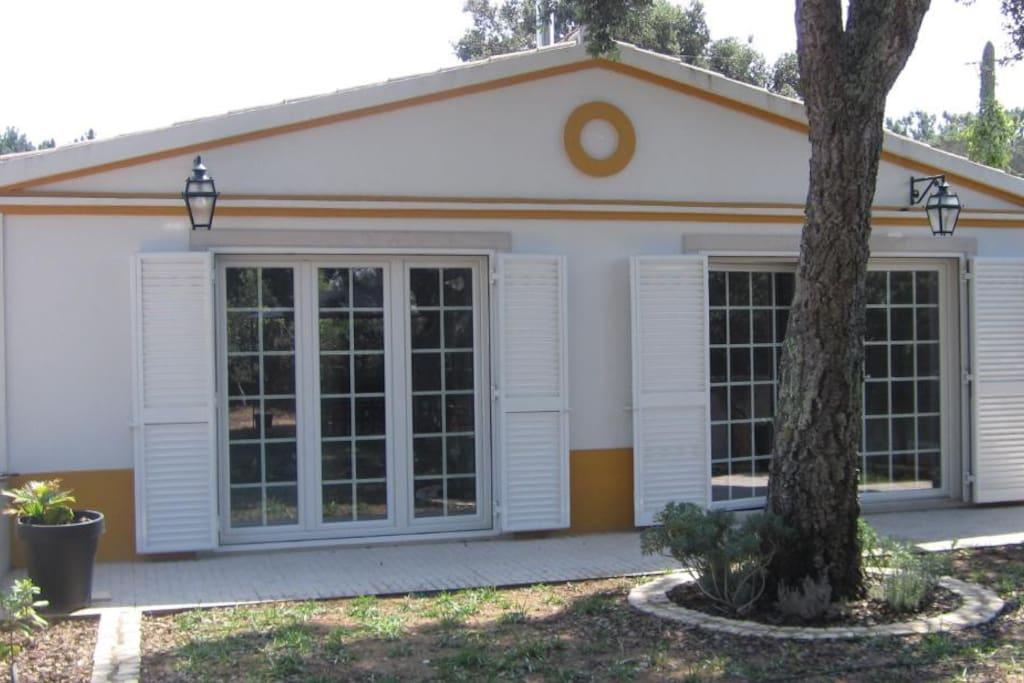 Habitação com Azinheira/ House Arquitecture with cork tree