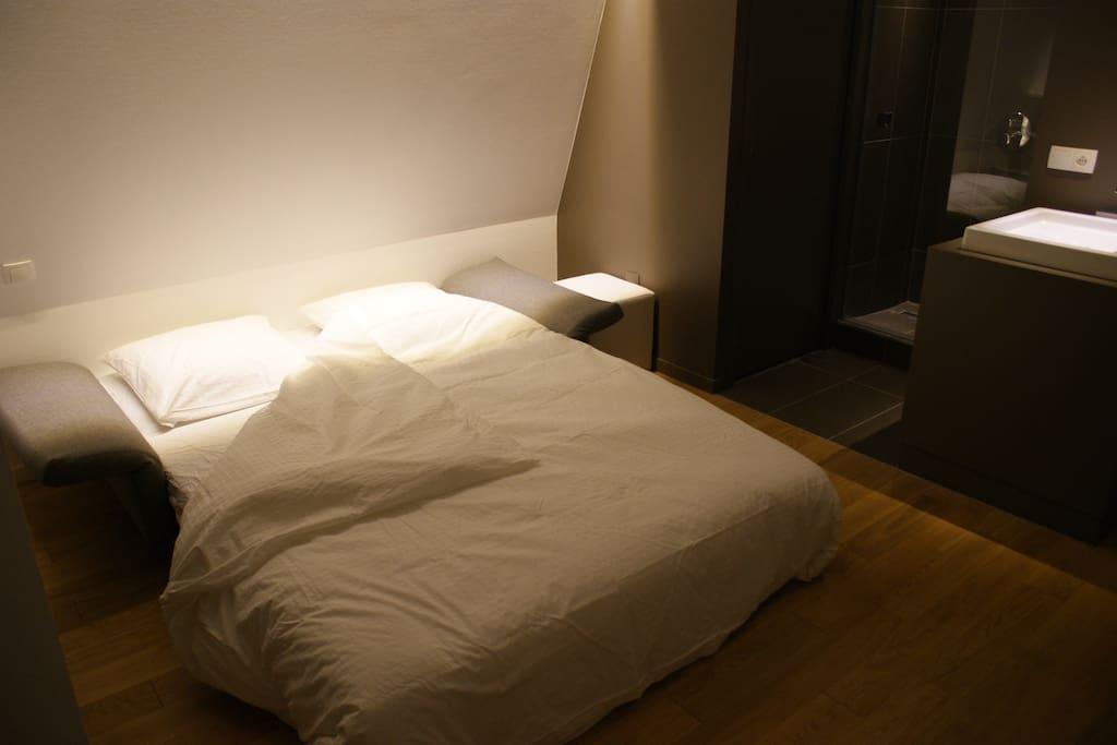 Canapé aussi confortable qu'un lit.