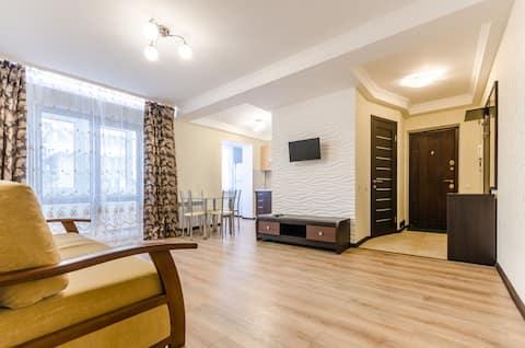 Appartamento ARTAL su Obolonskyi Avenue 16A, 2 camere da letto