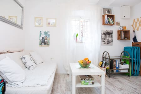 Vintage shabby-chic duplex apt - Rijeka