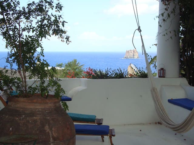 Traditional Aeolian house w/seaview - Estrómboli
