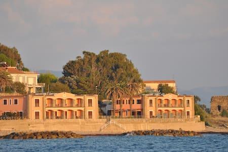 residence tre palme acciaroli - Acciaroli