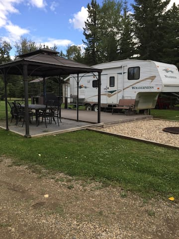 Buck Lake Fifth Wheel RV