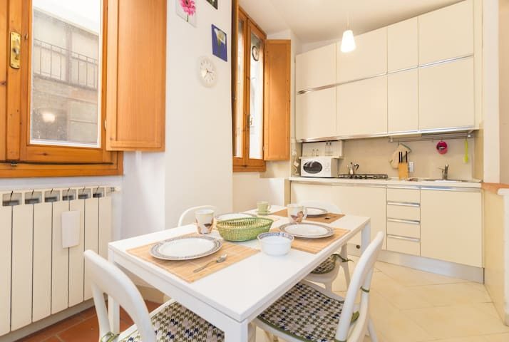 Gorgeous Borgo dei Greci apartment