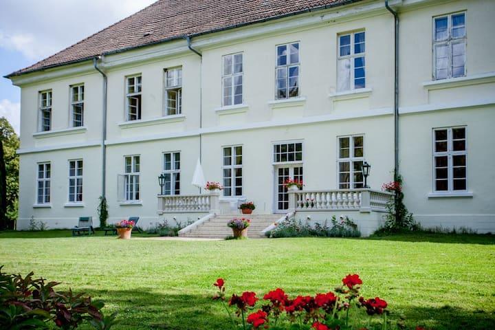 Flat in Mecklenburg Mansion - Whg 5