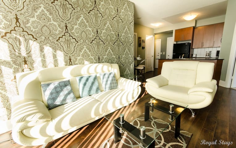 Modern! 2 BR Executive Condo-Walk2Square One