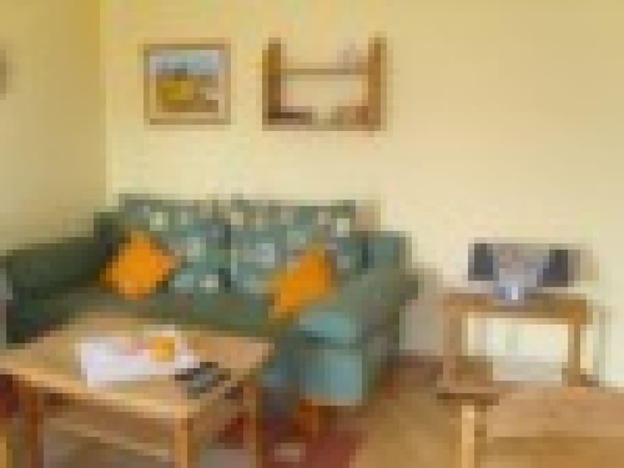 Wohnung 2DG. mit Schlafsofa und Essecke.