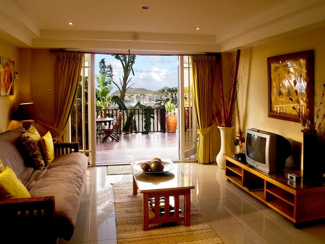 Modern & Luxurious with Sea View - Gros - Islet - Villa