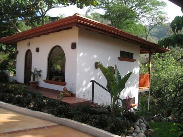 1 bedroom casita w/views of jungle - Atenas Canton - Cabaña