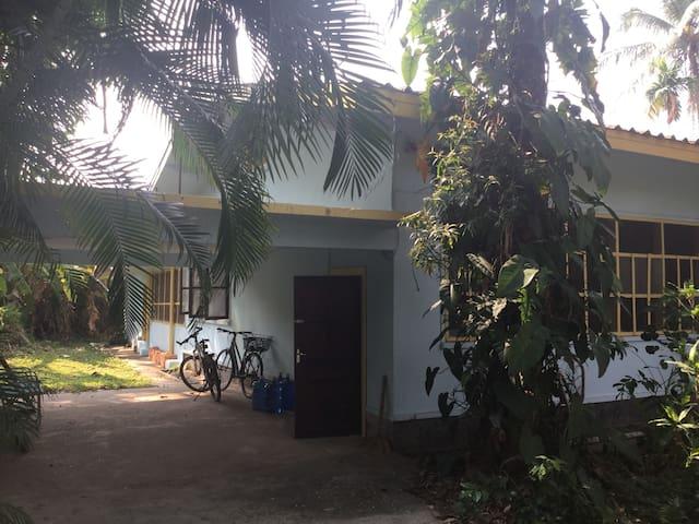 Takushi's Pranic Garden - Vientiane - Rumah