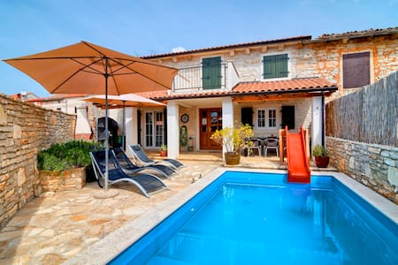 Villa Mareva, beautiful Istrian villa with pool - Smoljanci - Huvila
