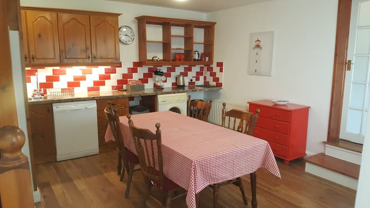 Archway Apartment Westport - 2 mins to town centre
