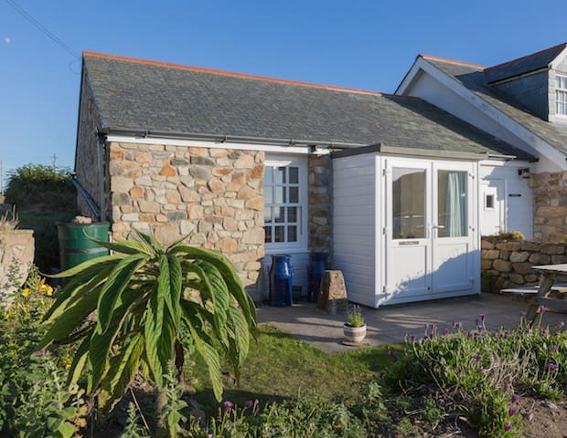 Needles Holiday Cottage, Sennen Cove inc Parking - Cornwall - Talo