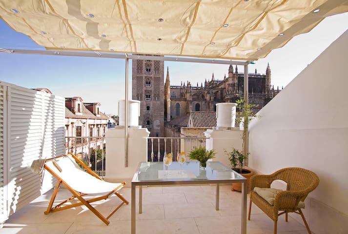 Terraza frente a La Giralda