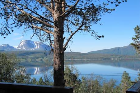 Luxurious & cosy cabin in beautiful Malangen - Mestervik - 小木屋