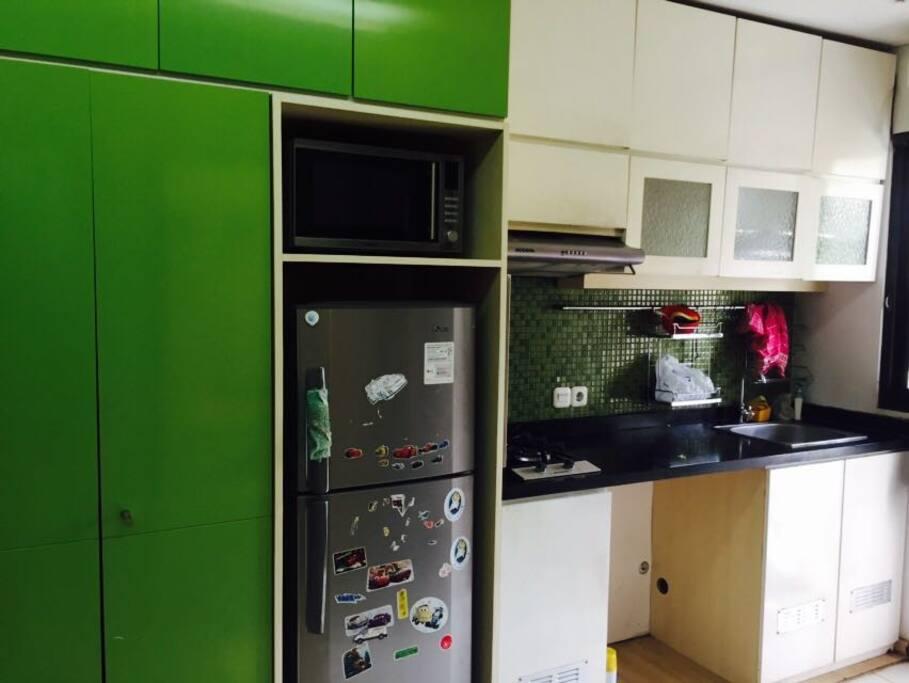 Dapur dan lemari