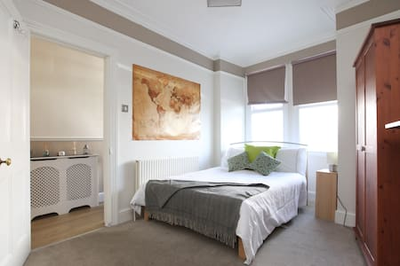 Charming Double Room - West London - Greater London - Διαμέρισμα