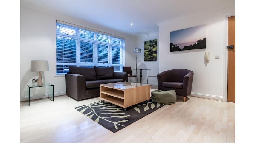 1 bedroom in Kew Gardens - Clarendon House