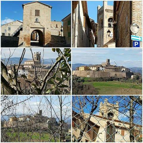 Borgo più bello d'Italia. - Montefabbri - House