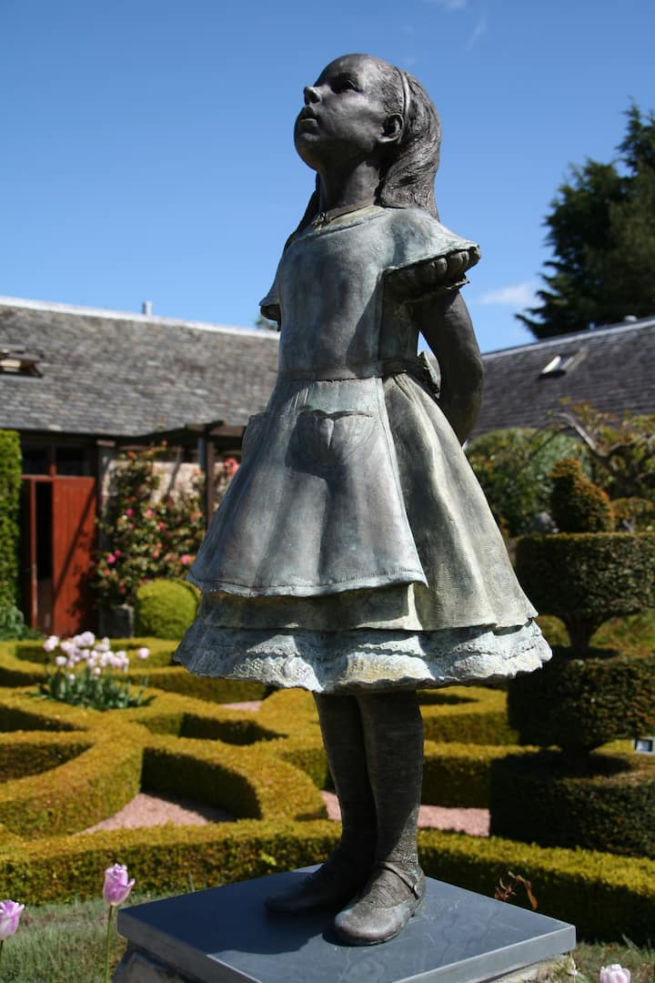 Cottage in Private RHS Garden