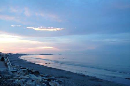 Charming Artsy Home-Nantasket Beach