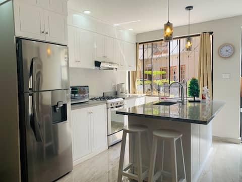 Best Value, Downtown large-clean Studio