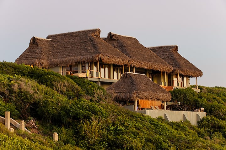 Paradise Beach Lodge - Shangaan Lodge