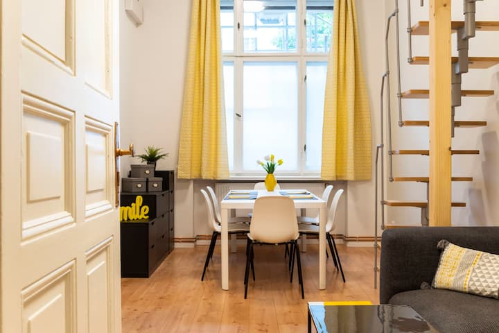 Loft Apart +A/C +SelfCheck-In +Free Street Parking