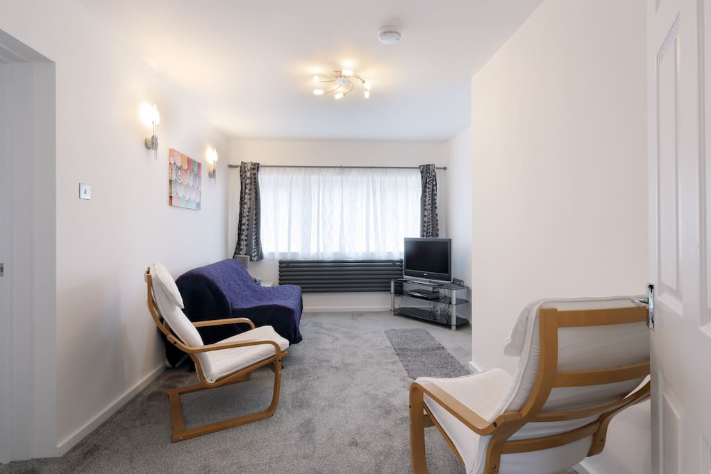 living room mk safe walk to mk station appartements 224 louer 224 11573