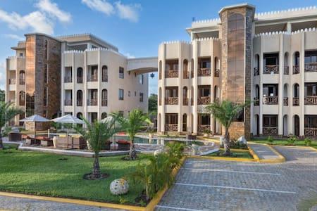 Amani Luxury Apartments Diani - Diani Beach - Lejlighed