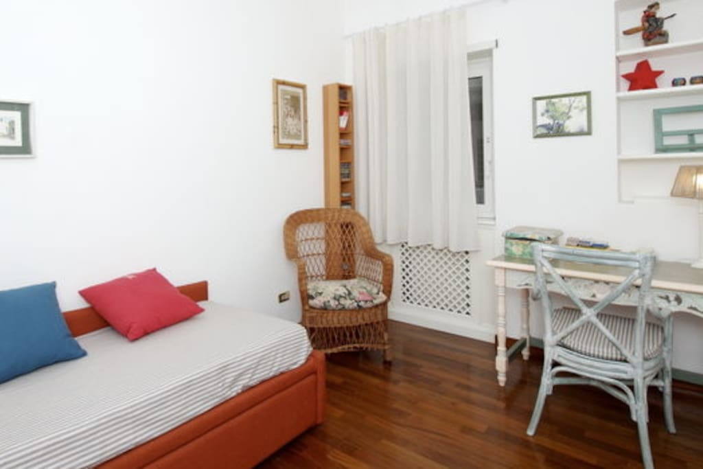 Guest House St Peter Bed In Rome
