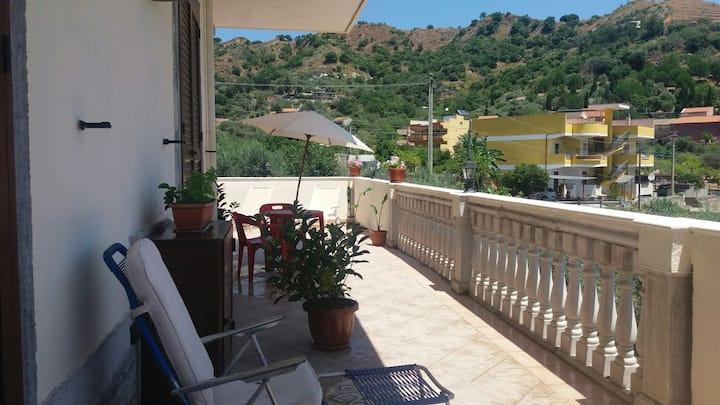 Villa il Belvedere stanza rossa vicino Taormina