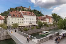 Ljubljana castle ca nbe seen from the apartment's terrace, kitchen, bathroom, gallery and 3rd bedroom and it's only a 10 minute walk away.