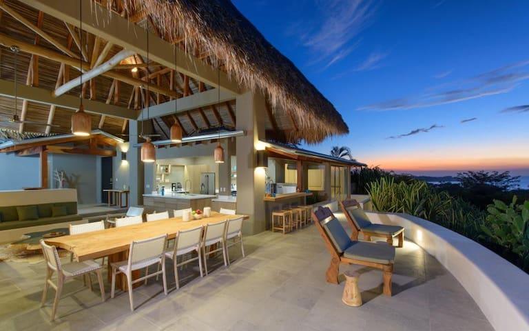Sunset House 5 bedroom ocean view, sleeps 14