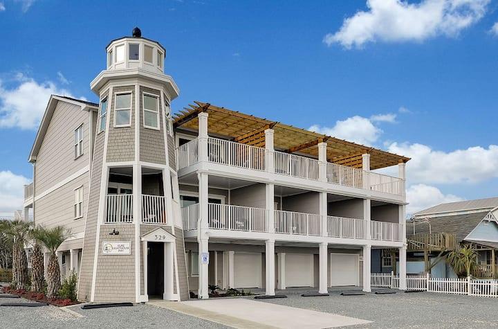 Room 7 - Spacious Oceanfront Retreat!