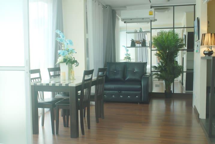 Salon with air con