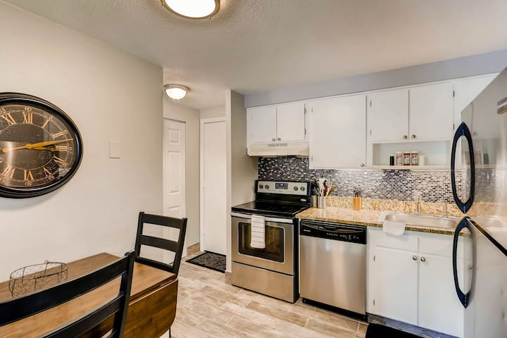 Beautiful Penthouse Condo in a Great Location!