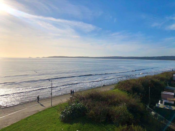 Stunning Sea Views - 2 bed apartment, parking