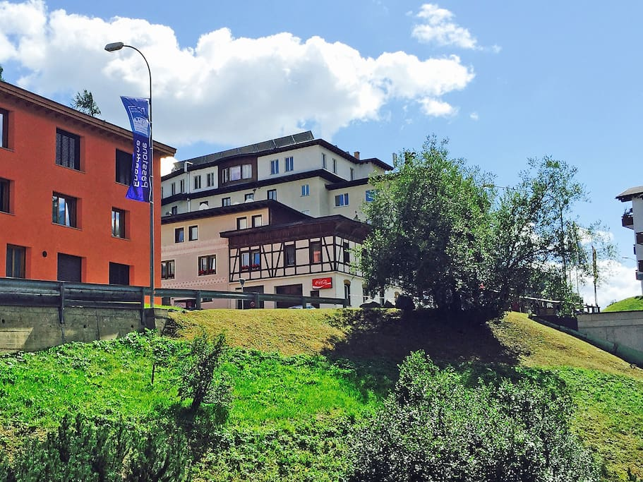 St Moritz Apartments Reviews