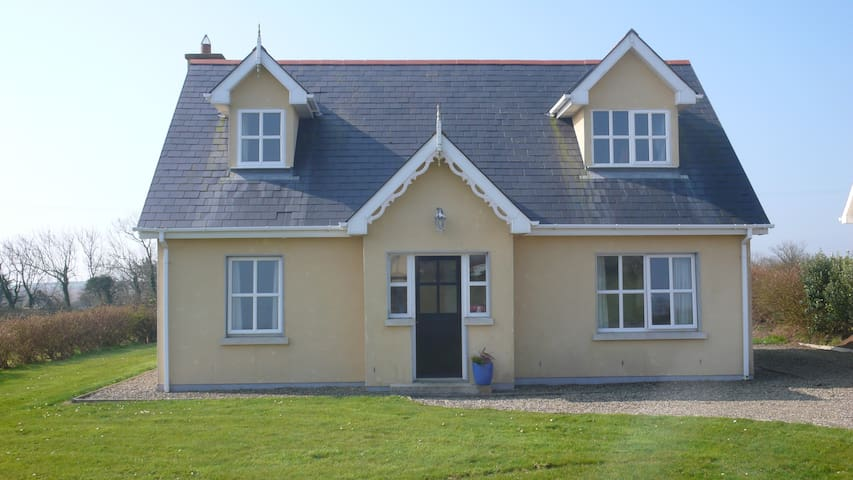 Detached Spacious Cottage on Wild Atlantic Way