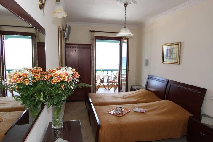 NAXOS AMALIA STUDIOS ON THE BEACH - Naxos - Apartamento